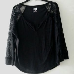lei long sleeve top with lace sleeves